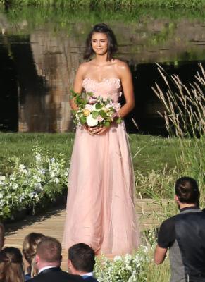 Нина на свадьбе Джулианны Хаф и Брукса Лайка [8 июля]